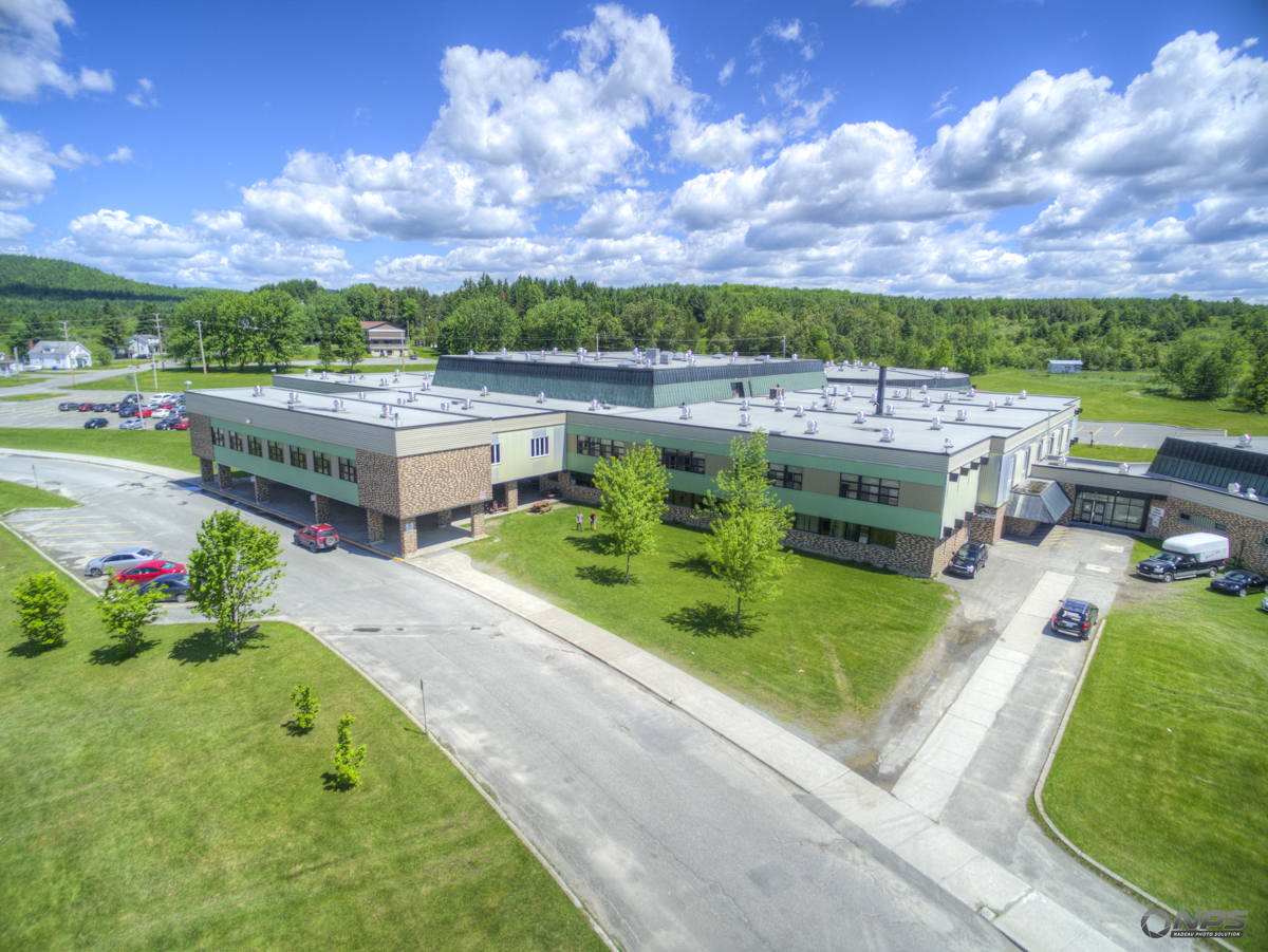 Ducation ville de disraeli for Academie lafontaine piscine